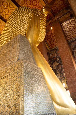 Reclining buddha image in Wat Pho