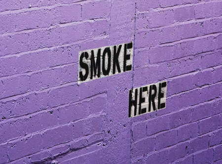smoke here sign