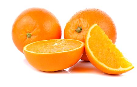 Naranjas sobre fondo blanco Foto de archivo - 63305565