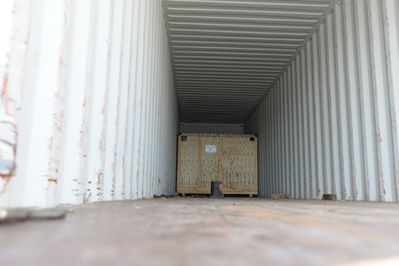 insider: Wooden box export pallet shipping insider container