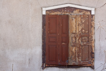 old brown shutter photo