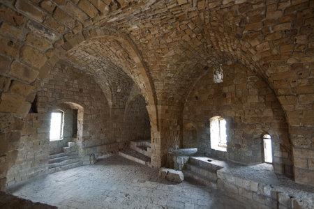 Intérieur de l'ancien château à Saïda, au Liban, a été construit au XIIIe siècle par les croisés Banque d'images - 21557829