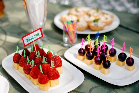 beautifully served strawberry and grapes wedding appetizers