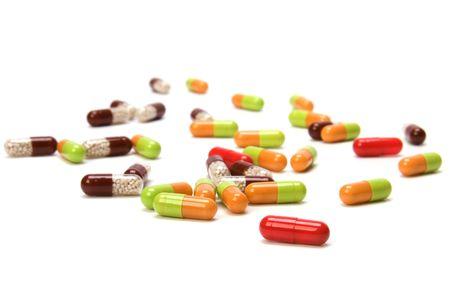 pilule: C�psulas aislados sobre fondo blanco