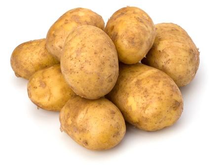 pure de papas: cerrar patatas aisladas sobre fondo blanco
