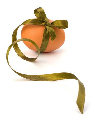 Easter egg with festive bow isolated on white background Stock Photo - 9054394