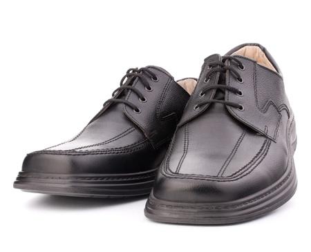 zapato: Hombre de color negro brillante de los zapatos con cordones de los zapatos aislados sobre fondo blanco