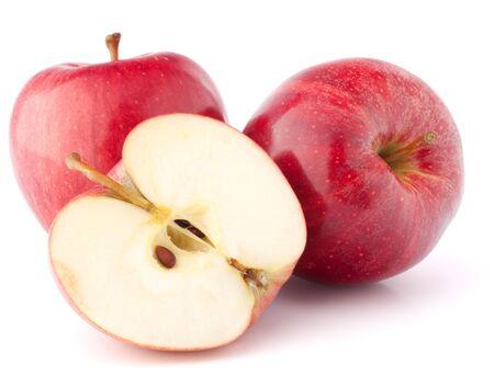 manzana roja: Manzana roja aislada en el fondo blanco recorte