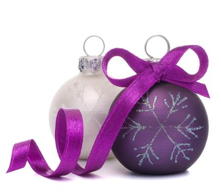 クリスマス ボールの白い背景の切り欠きに分離 写真素材