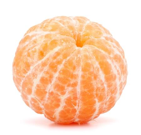 soyulmuş: Beyaz arka plan kesme izole Soyulmuş mandalina veya mandalina meyve