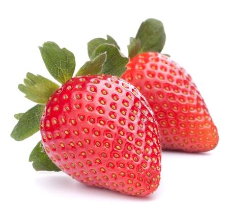 白い背景の切り欠きに分離したイチゴ