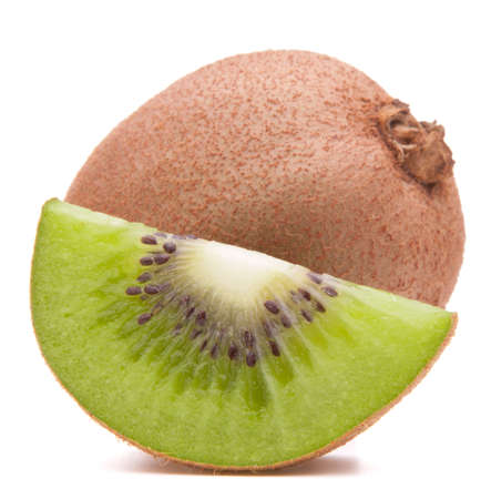 segmentar: Segmento de la fruta de kiwi en rodajas aislado en blanco Foto de archivo
