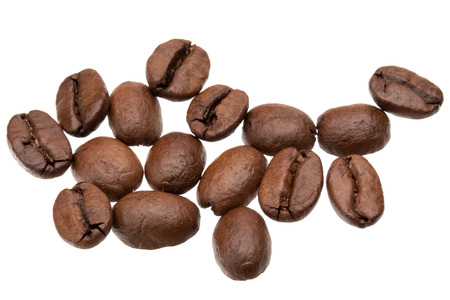 coffe beans: roasted coffee beans isolated in white background cutout