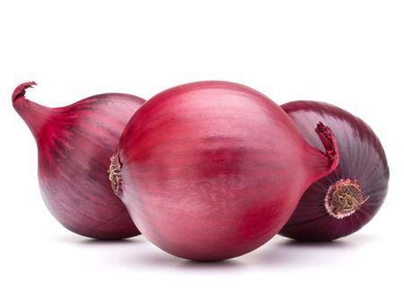 red onion bulb isolated on white background cutout Standard-Bild
