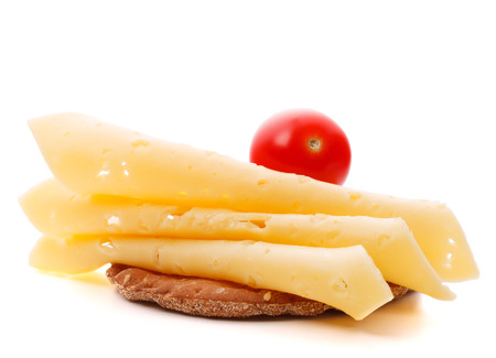 Boterham met kaas op een witte achtergrond knipsel