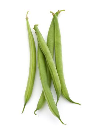흰색 배경에 컷 아웃에 고립 된 녹색 콩 한 줌 스톡 콘텐츠