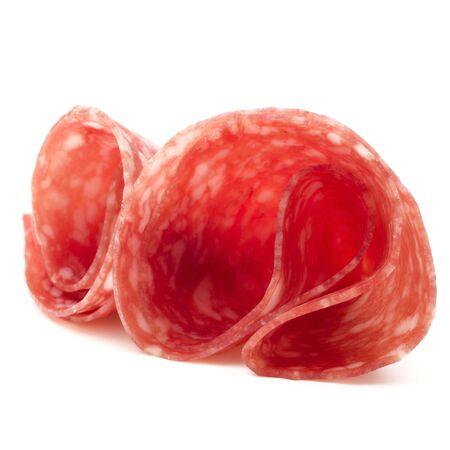Rodajas de salami salchicha aislados en el recorte de fondo blanco Foto de archivo - 84952133