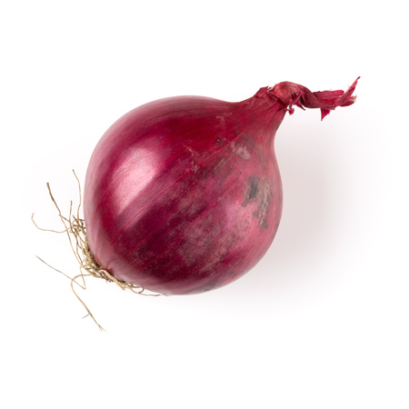 red onion isolated on white background cutout, top view Banque d'images - 113939955