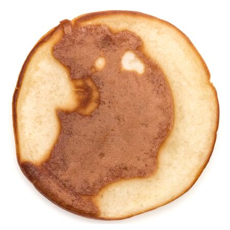 One pancake isolated on white background cutout. Top view. 版權商用圖片 - 130163438