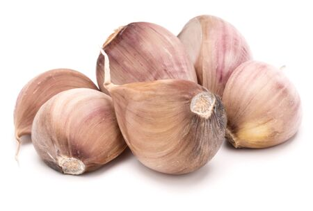 garlic cloves isolated on white background cutout 版權商用圖片 - 130165005