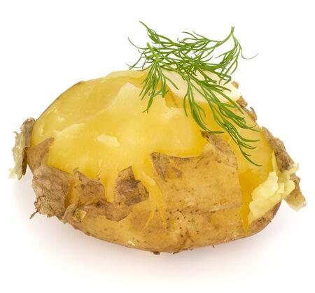 une pomme de terre épluchée bouillie avec de l'aneth et du beurre isolé sur fond blanc Banque d'images