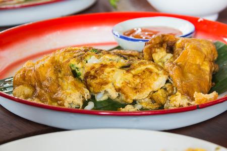 egg fired on big dish food thai style