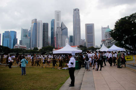 queueing: Queue at the Padang Singapore during the national mourning of Lee Kuan Yew Editorial
