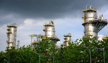 oil and gas industry: Oil and gas industry - refinery
