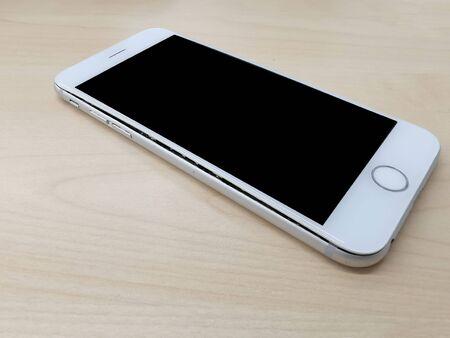 Mobile phone broken via battery swelling