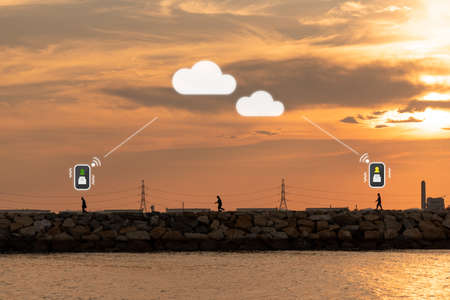 iot mobile application message send to reciever by cloud medium to another destination 스톡 콘텐츠