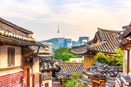 Bukchon Hanok Village in Seoul, South Korea Imagens - 61137161