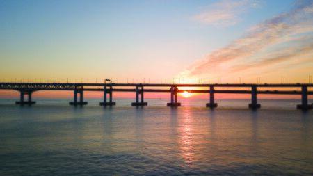 Widok na most Gwangan w mieście Busan, Korea Południowa.