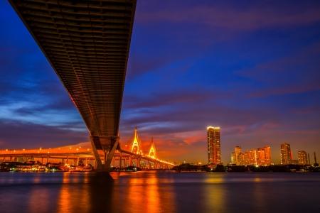 express lane: Bridge over the Chao Phraya River in Bangkok