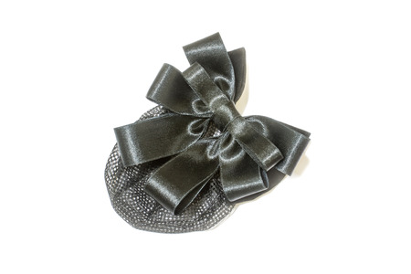 ruban noir: d�coration de cheveux pour fille, Barrette et ruban noir sur fond blanc