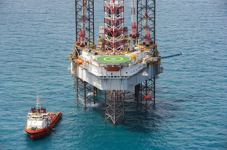 drilling well: Offshore oil rig drilling platform in the gulf of Thailand