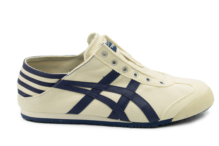 Bangkok ,Thailand 2Bangkok ,Thailand 2019 October : Onitsuka Tiger Mexico 66 paraty (slip on)  sneaker code is TH342N-0250 isolated on white background.019 October : Onitsuka Tiger Mexico 66 paraty (slip on)  sneaker code is TH342N-0250 isolated on white