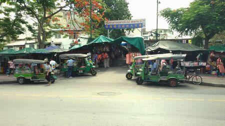 central market: Mercado Central Bobe tres puentes en Tailandia. Foto de archivo
