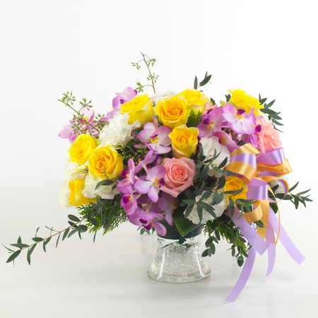 flowers bouquet: Flower bouquet in vase isolated.