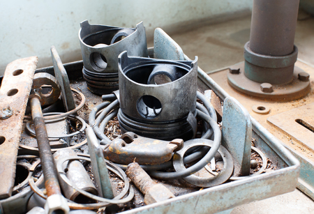 connecting rod: Used cylinder scrap old cars