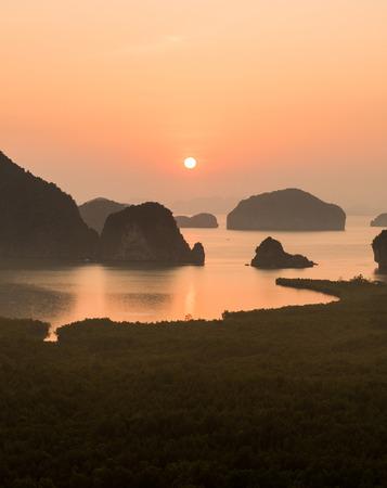 samet: Sunshine on Samet nang she, Phang-Nga, Thailand Stock Photo