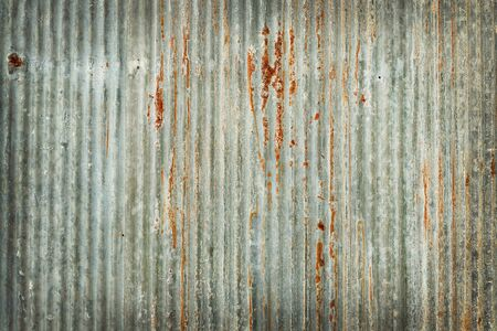 Old zinc wall texture background, rusty on galvanized metal panel sheeting. Foto de archivo - 133978246