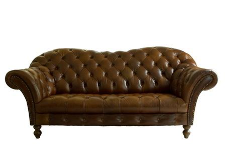 divano: vera pelle divano classico stile su sfondo bianco, isolato