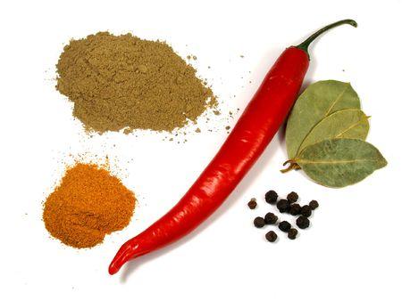 dried spice: Pimienta y condimento