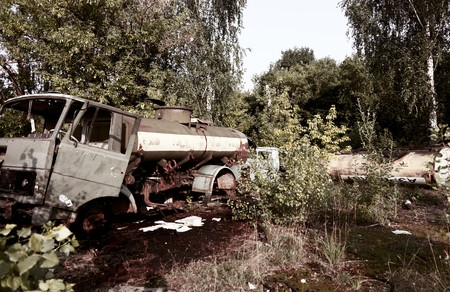 Old car and destruction facilities Stock Photo - 7452250
