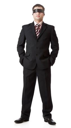 augenbinde: ein Mann ist in einem schwarzen Band auf einem wei�en Hintergrund stehend Lizenzfreie Bilder