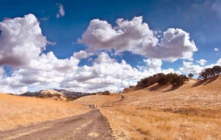 Empty Road, Valley and Sky Banco de Imagens