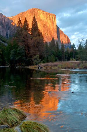 el capitan: Yosemite s El Capitan Sunset Glow