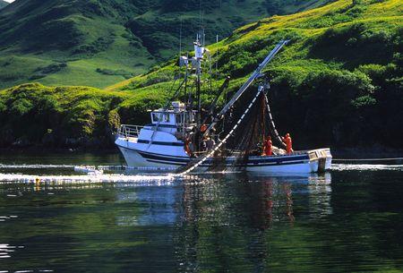bateau de peche: P�che commerciale au large de le �le Kodiak Alaska Banque d'images