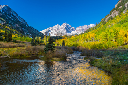 Maroon bells in Fall photo
