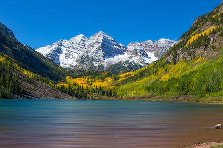maroon: Autumn at Maroon Bells